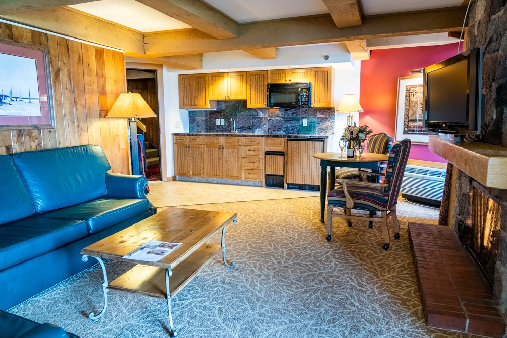 Lodges King Suite 2 Bathroom