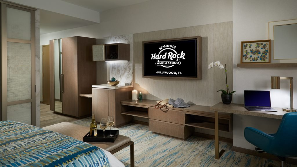 THE GUITAR HOTEL: Deluxe Best Available