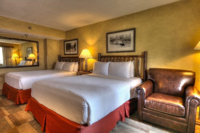 Pet Friendly Two Queen Beds