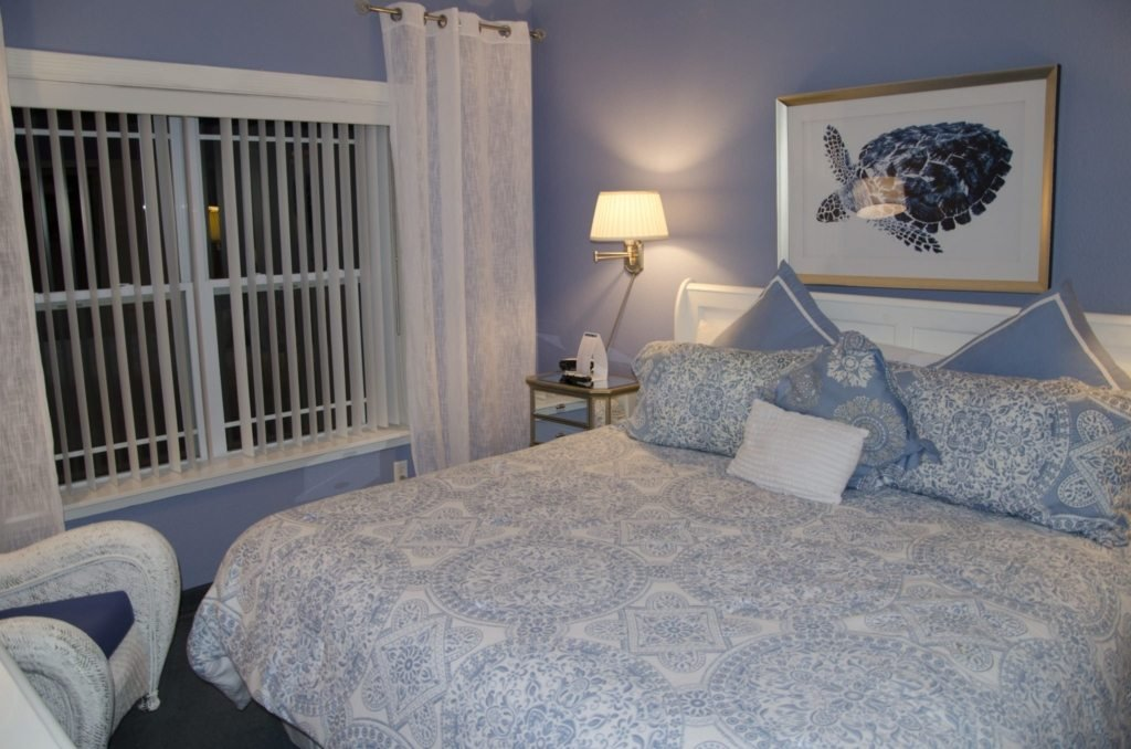 One Bedroom - King Lake View