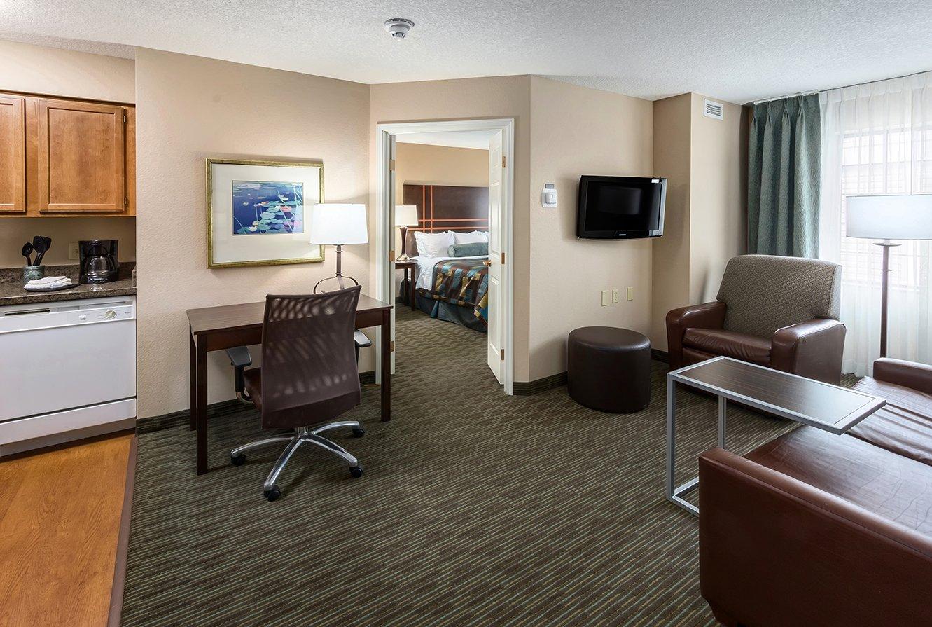One Bedroom Suite - Two New! Queen Beds