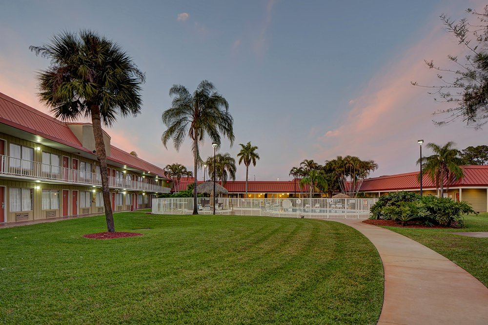 Vero Beach Inn and Suites near I-95
