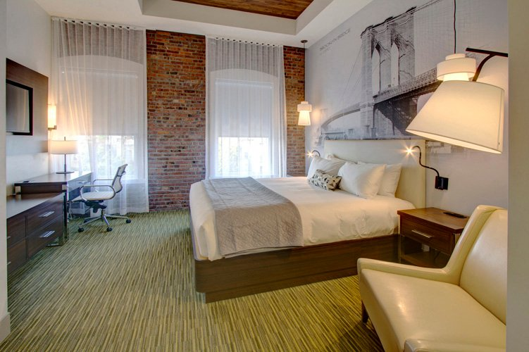 Junior Suite with 1 California King Bed