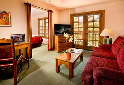 Santa Fe Deluxe King Suite