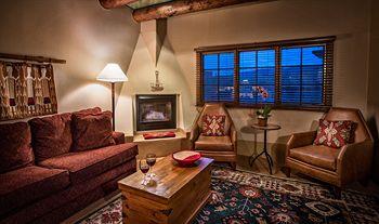 Hacienda Fireplace Suite
