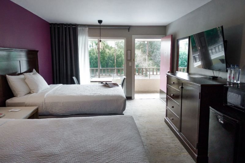 Premium Two Queen Beds Pool View Non Smoking