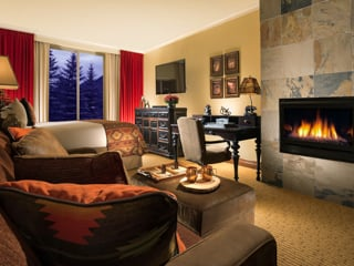 Premier King Guestroom with Fireplace