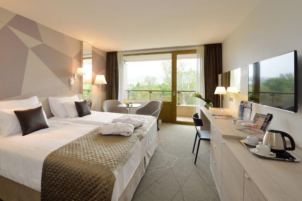 Premium dvoma damostatnými posteľami izba