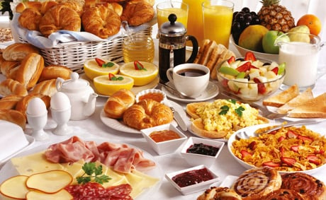 Проживание с завтраком