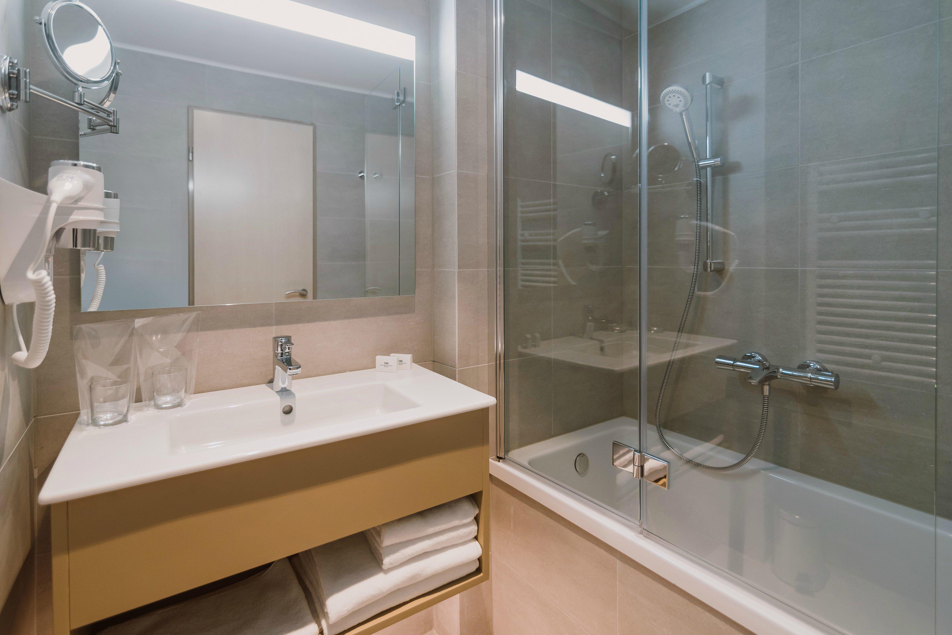 Camera dublă standard