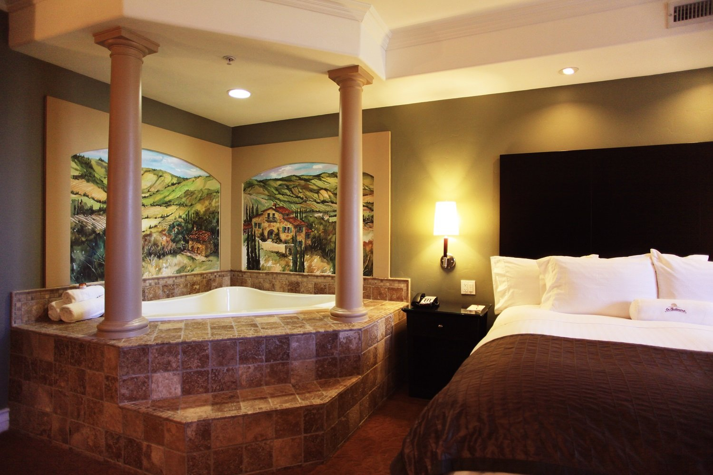 La Bellasera Hotel & Suites