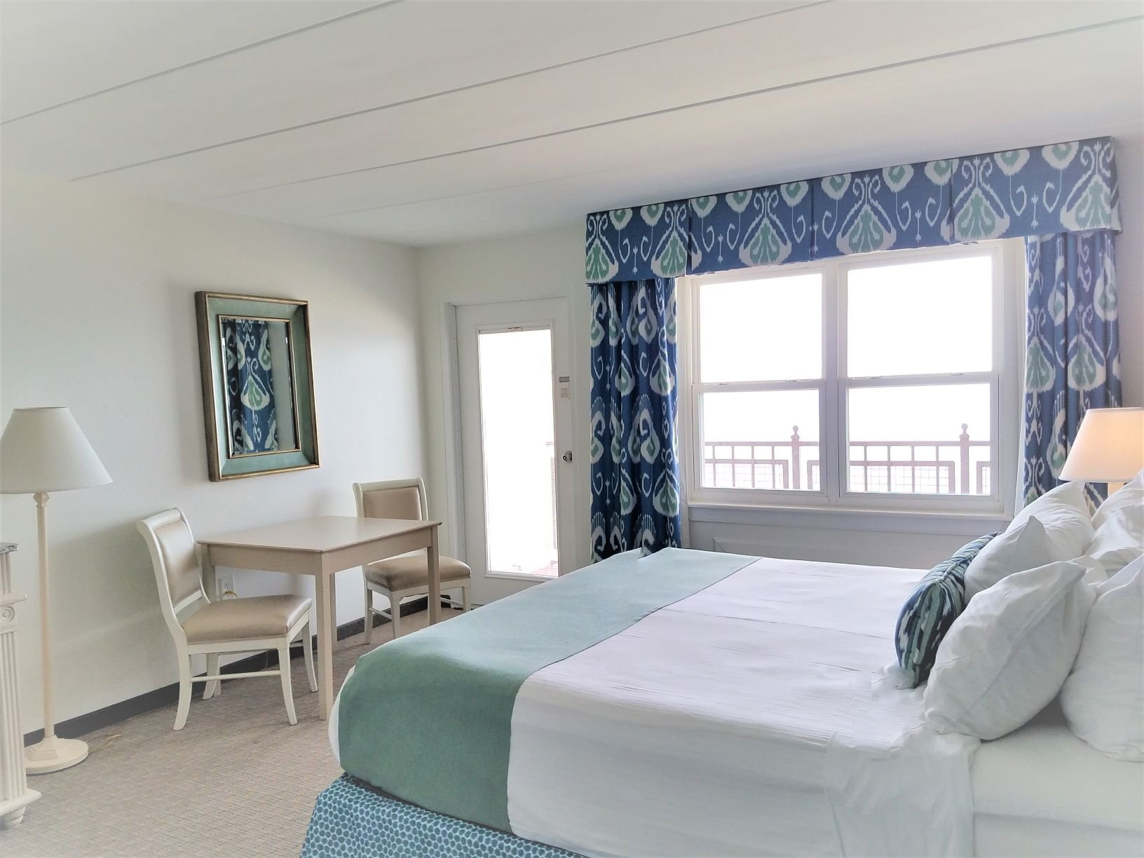 Hotel - Two Room Suite  - One King with Sofa Bed Oceanfront
