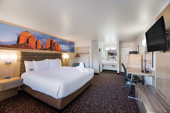Deluxe King Room Mountain View