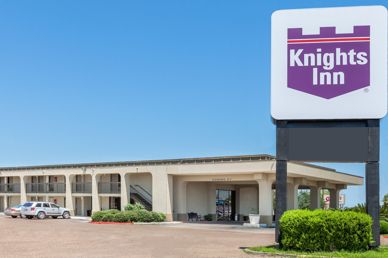 Knights Inn Victoria