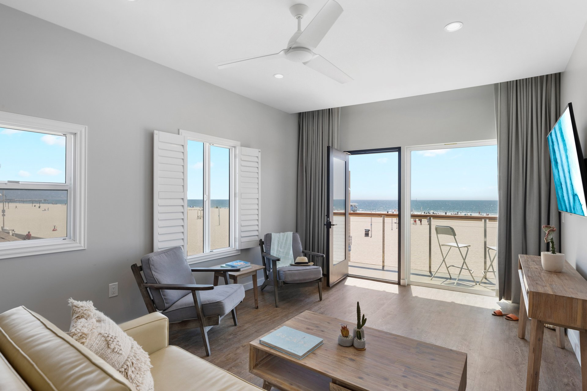 Beachfront King Balcony Suite | 475 sq ft