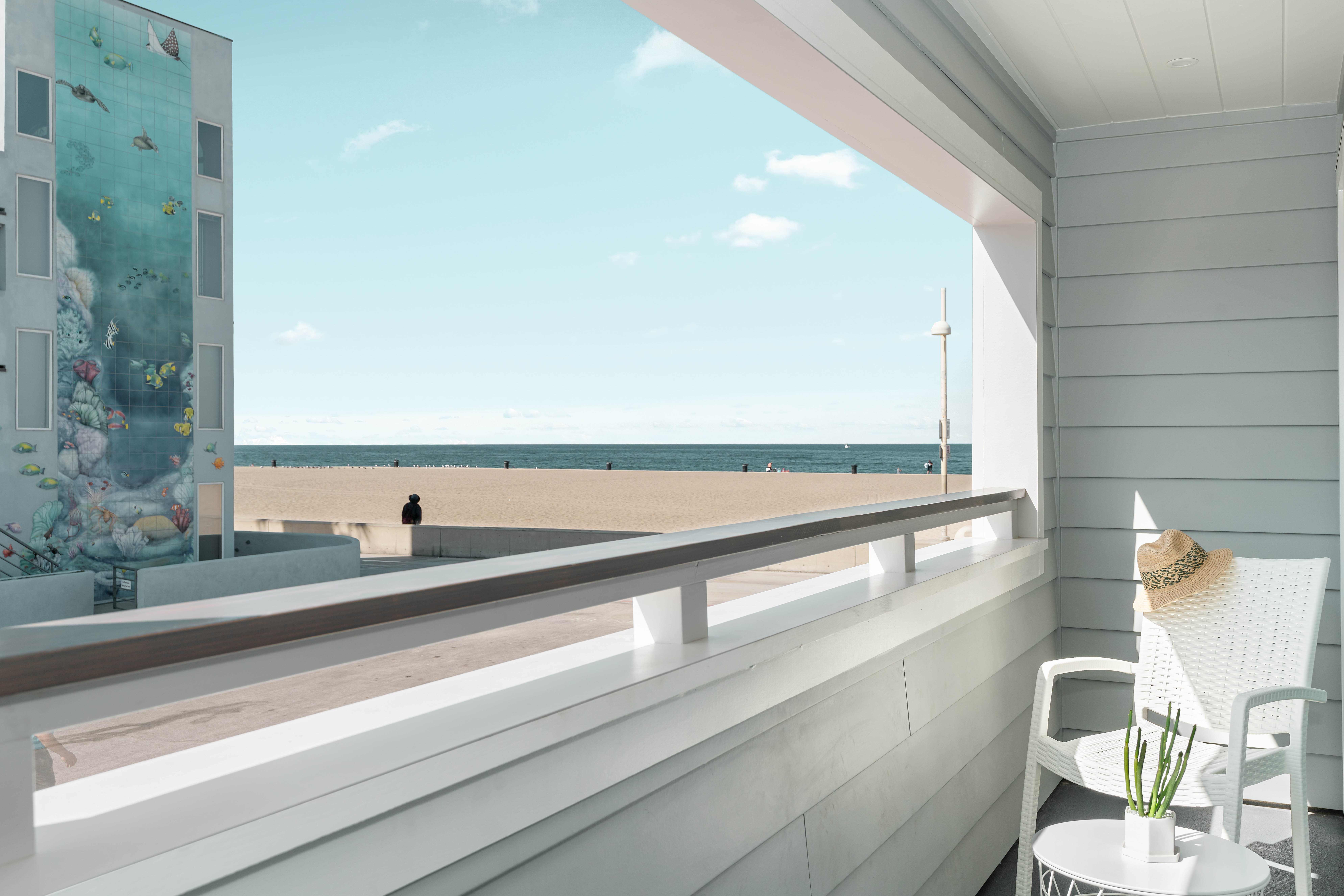 Pacific King with Balcony Ocean View | 225 sq ft