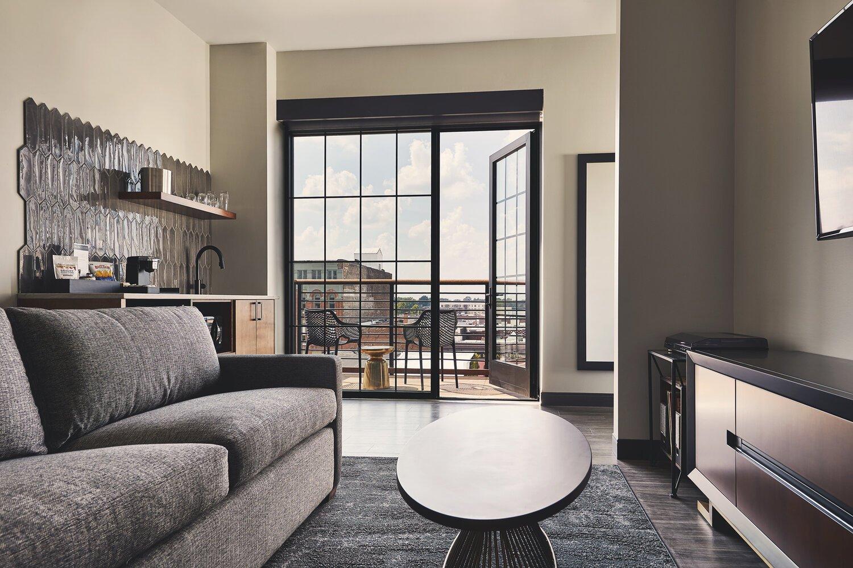 V2 Balcony Suite