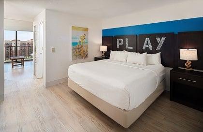 Resort King Balcony Suite