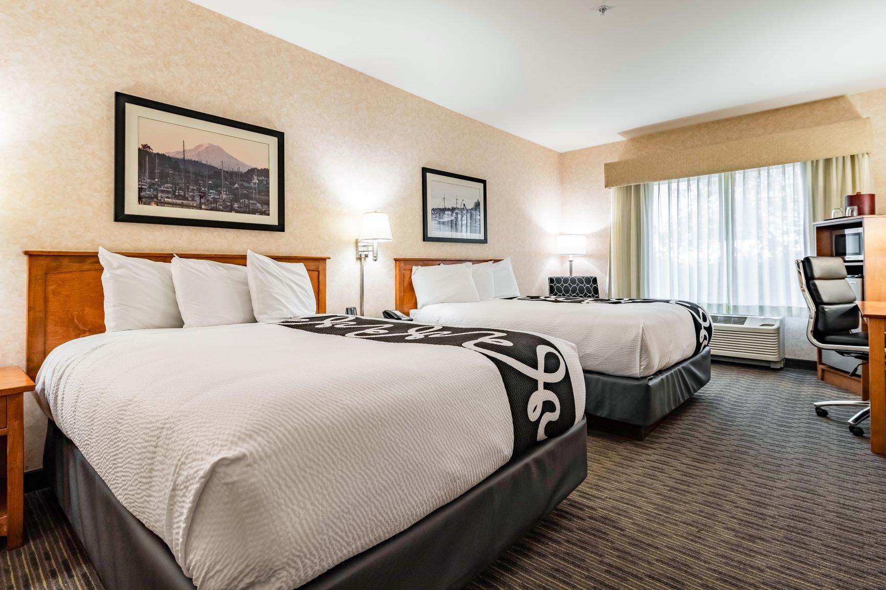 2 Queens Beds, Roll-in Shower ADA Accessible