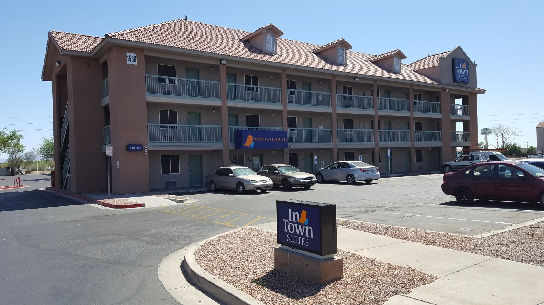 InTown Suites Extended Stay Phoenix AZ - East