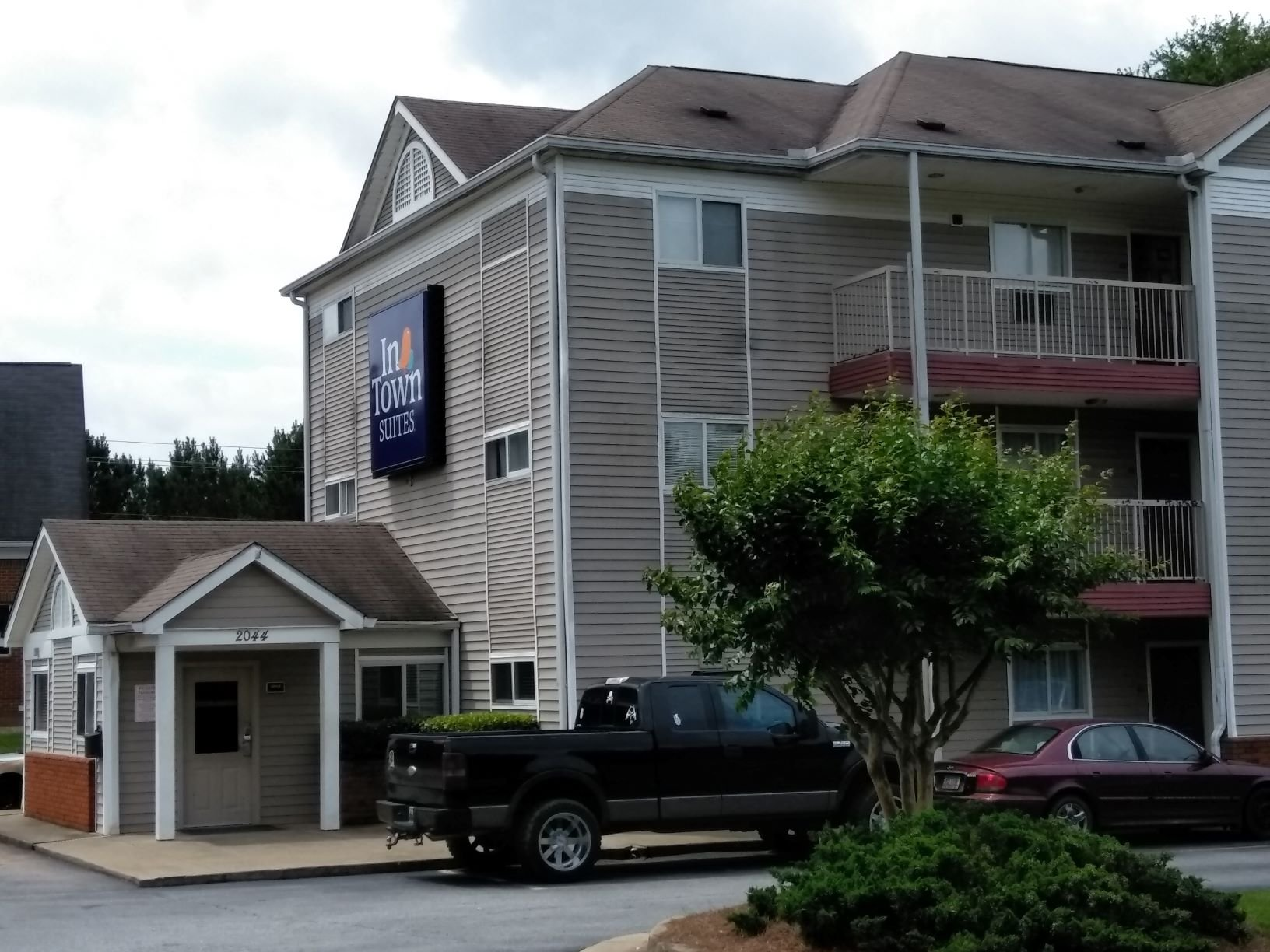 InTown Suites Extended Stay Warner Robins GA