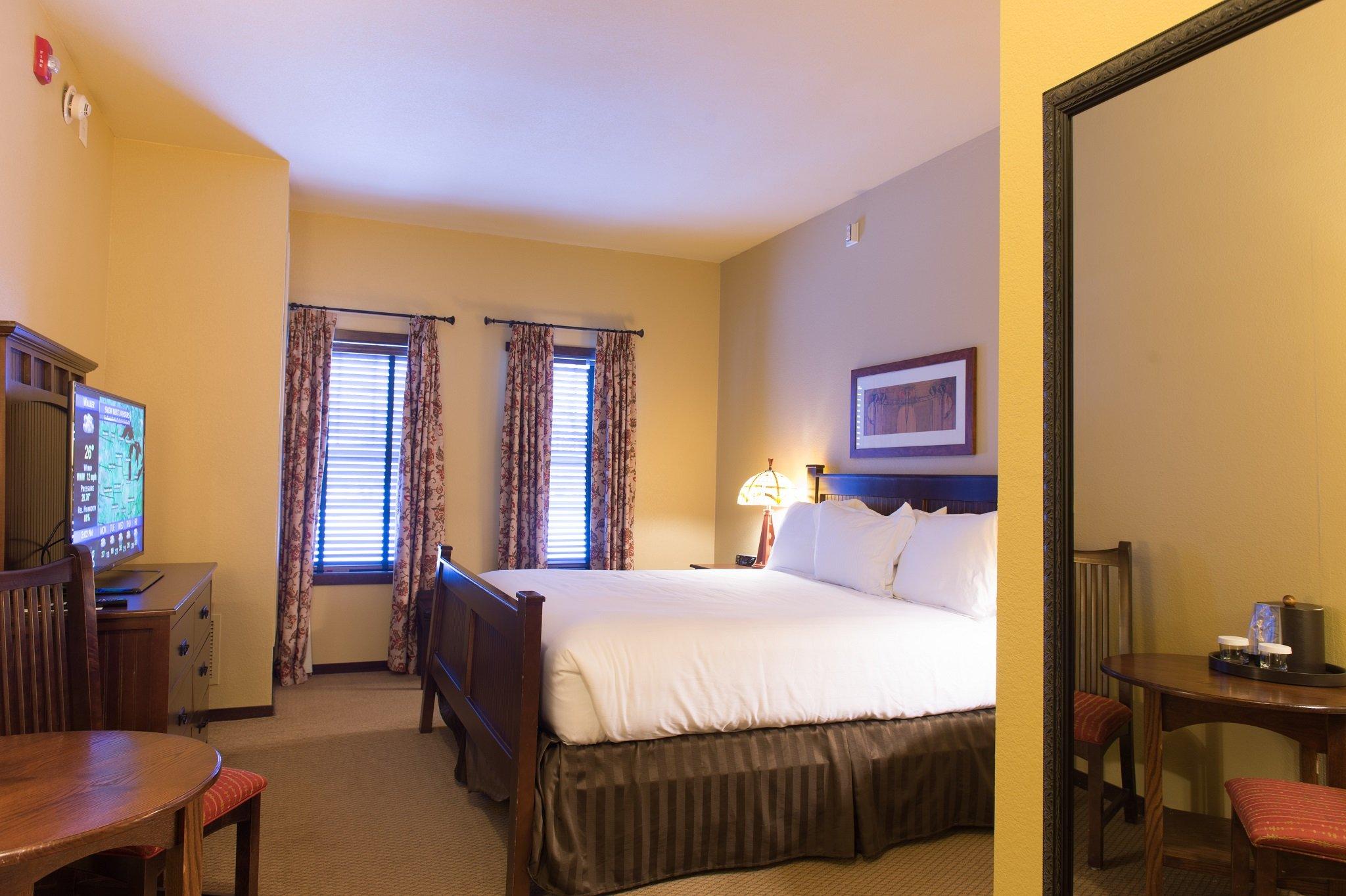 King Classic Hotel Room