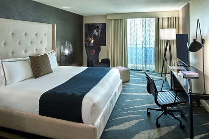 Deluxe City View Room King Bed