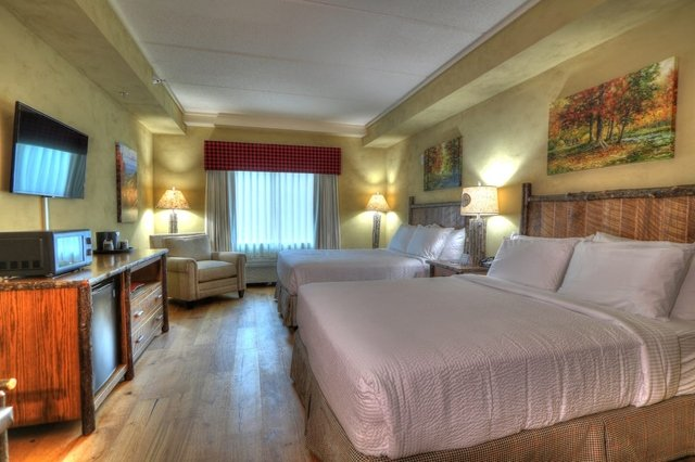 Two Queen Beds Executive