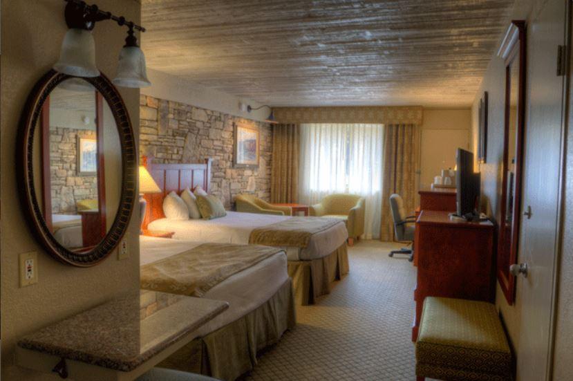 Two Queen Beds Cabana