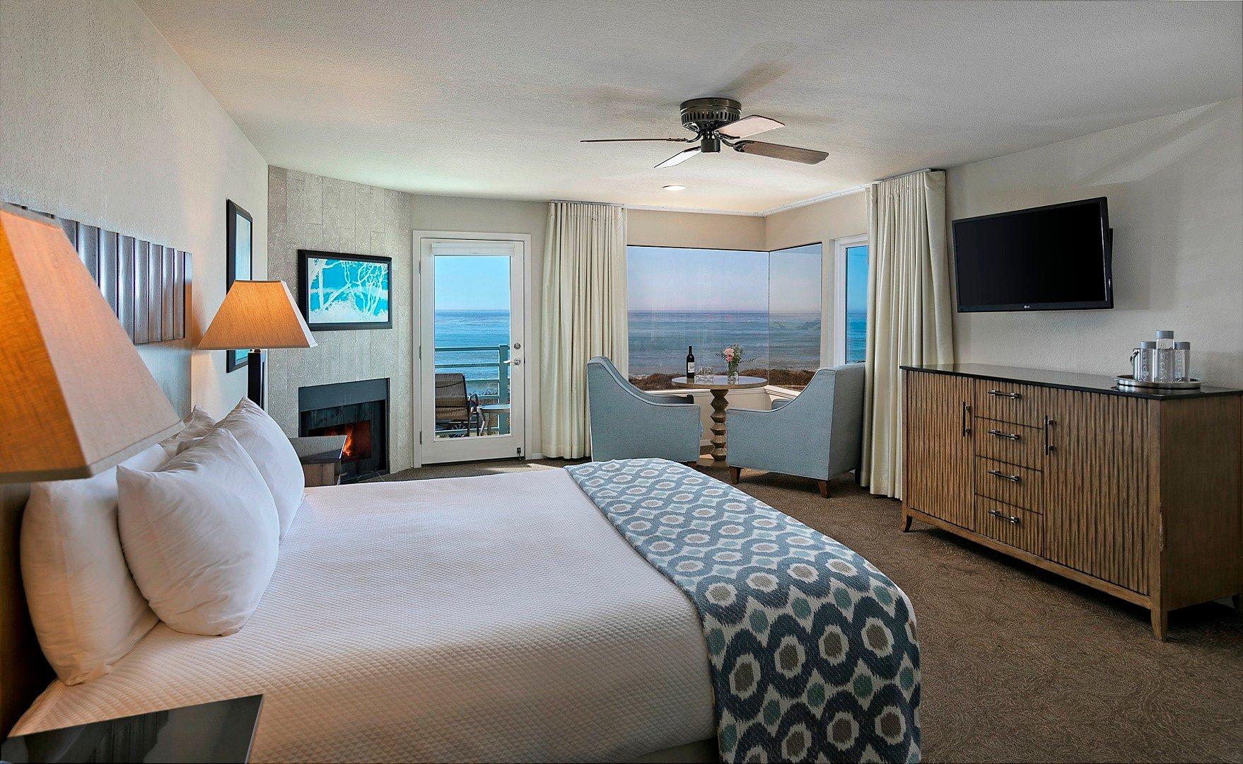 Superior Ocean View King w/ Balcony