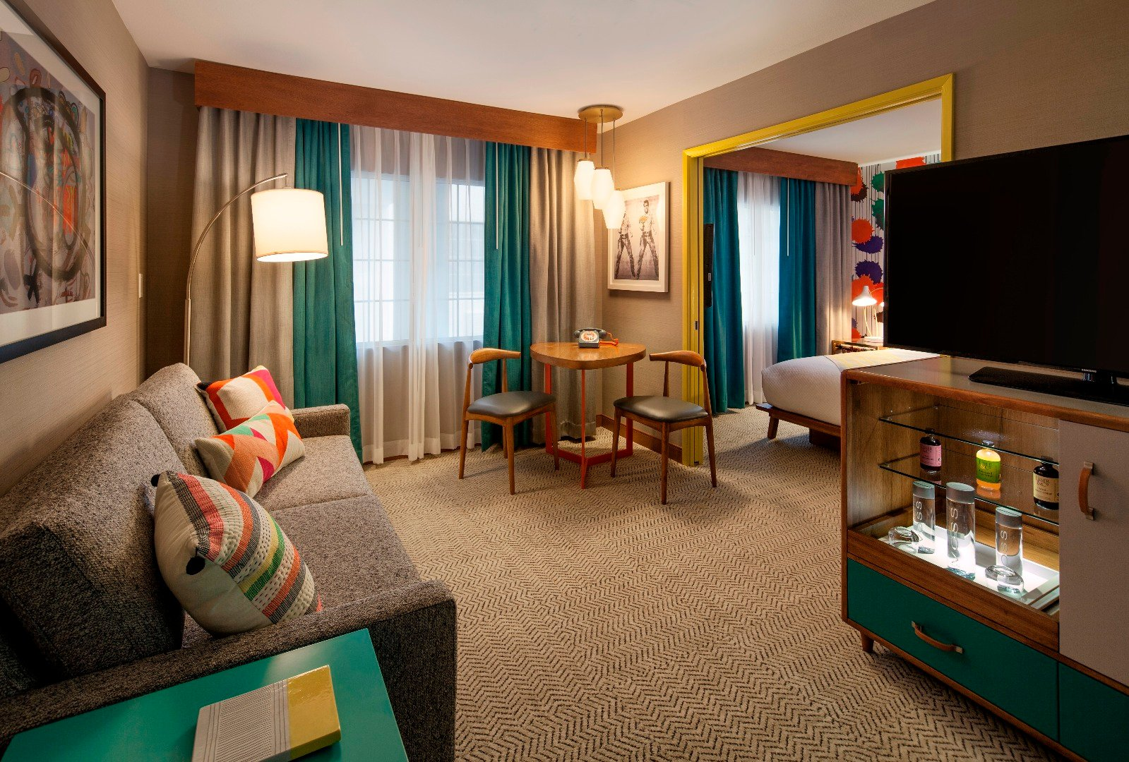 Boulevard Mega King Suite