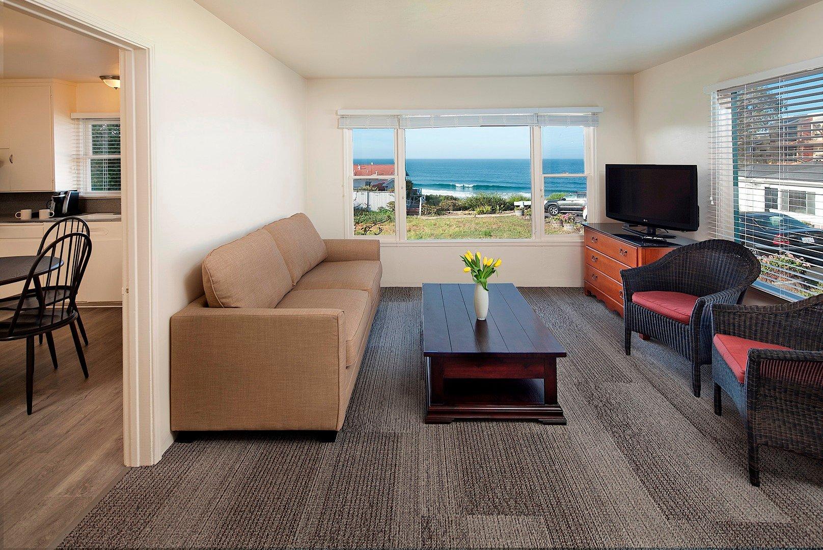 2 BEDROOM OCEAN VIEW COTTAGE W/KITCHEN