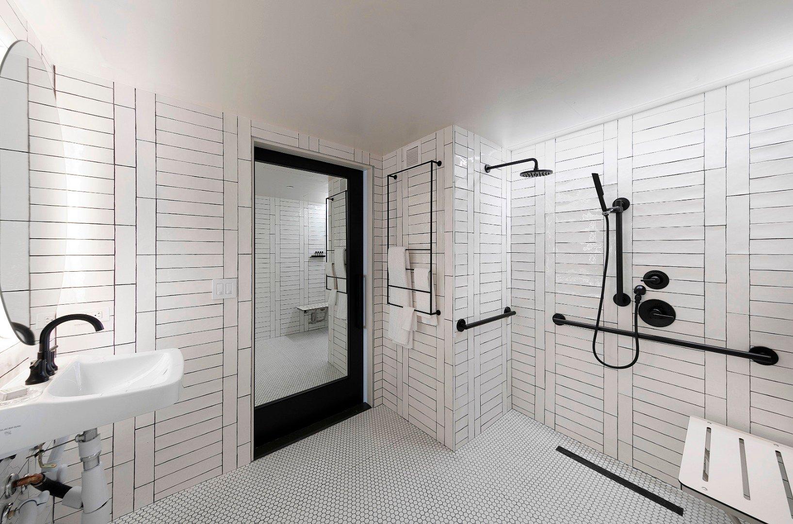 2 Queen Studio ADA with Roll-in Shower