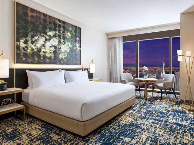 Hilton: City View Deluxe Room - One King Bed
